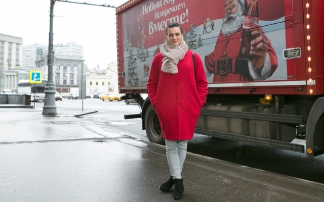 Coca-Cola company and Yelena Isinbayeva Charity fund give children sports grounds for New Year